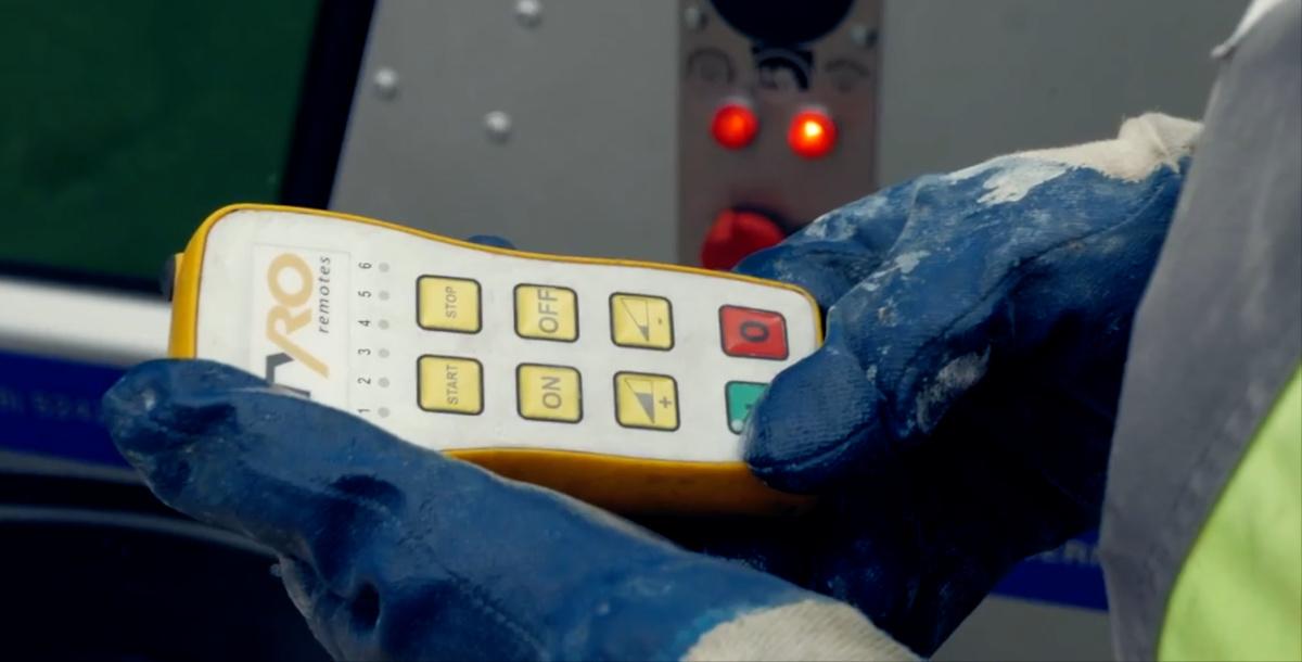 Gants de travail pompe à béton télécommande